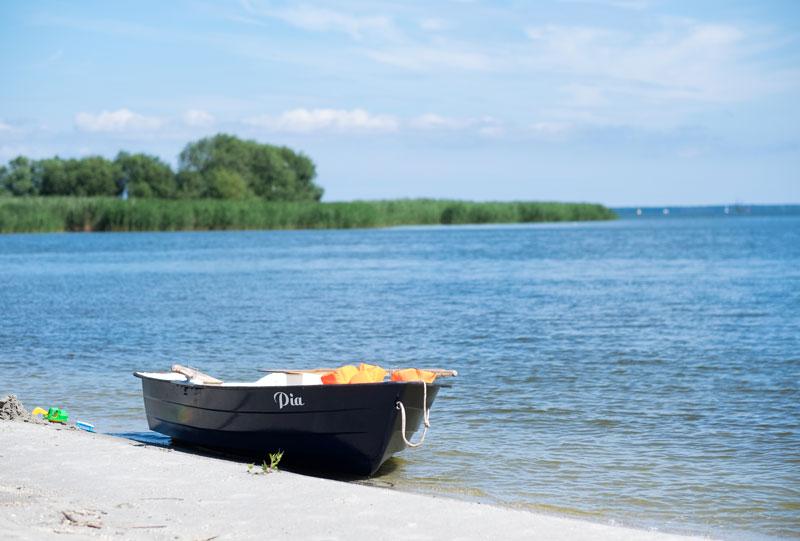 Unser hauseigenes Ruderboot PIA steht auch allen Gästen zur Verfügung.