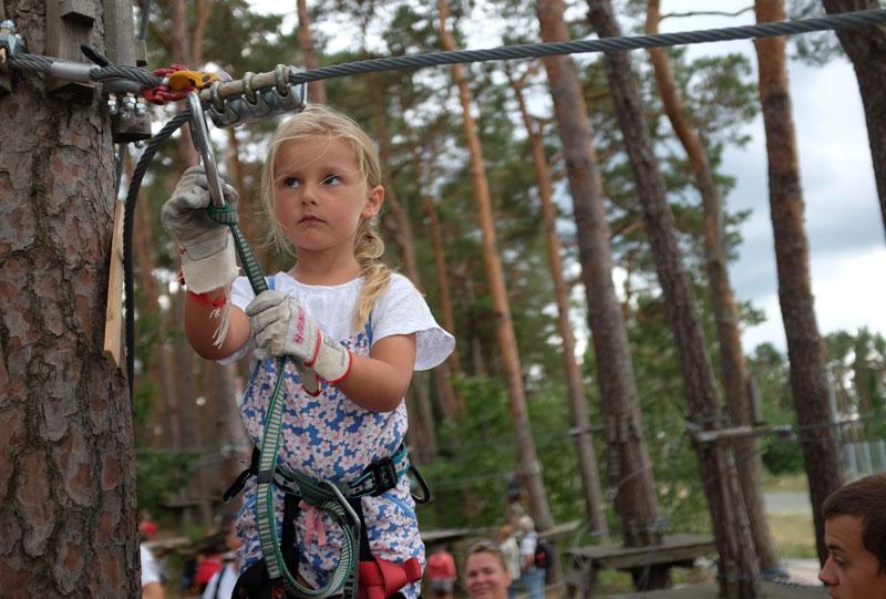 Auch für Kinder bietet der Kletterwald vielfaeltige Moeglichkeiten.