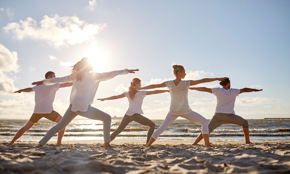 Yoga am Strand vom Stettiner Haff